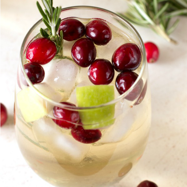 8 Delicious Holiday Cocktails Why Girls Are Weird